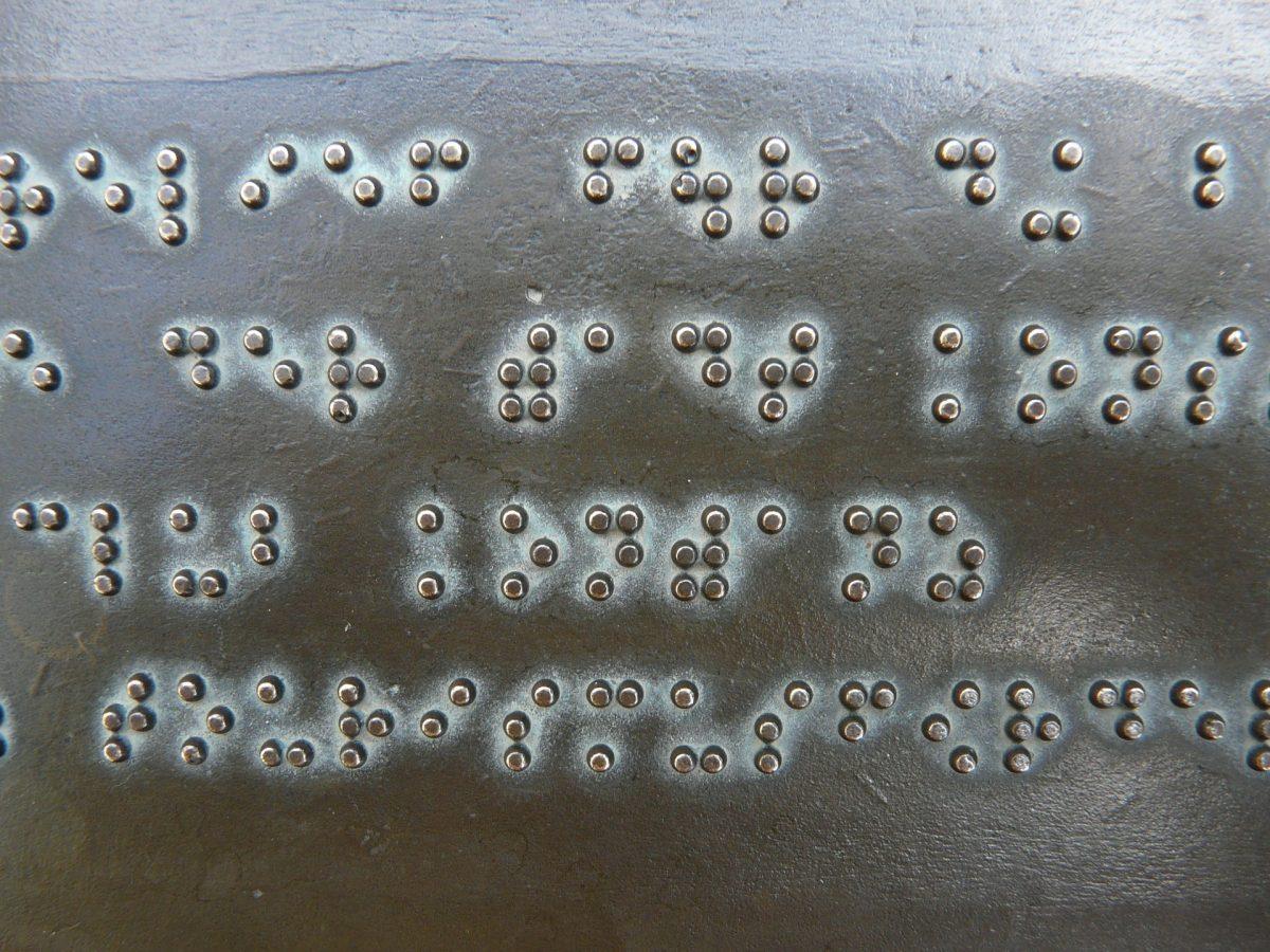 texto escrito en braille