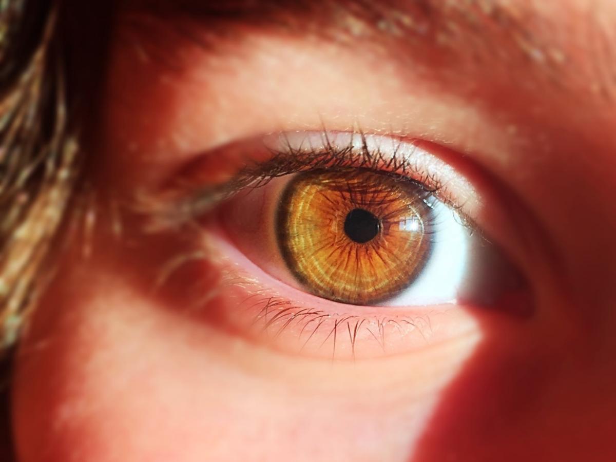 primer plano ojo de una mujer